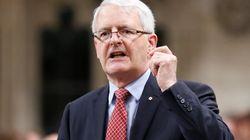 Marc Garneau demande aux conservateurs de surveiller leur