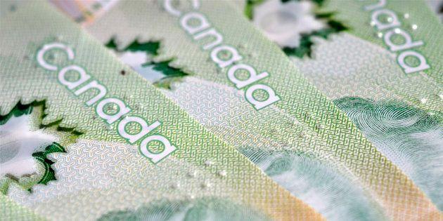 Avec la hausse du salaire minimum, le Québec demeure en milieu de
