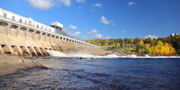 Hydro-Québec doit abaisser le niveau de trois