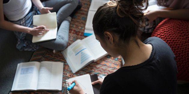 Chaque année, des fournées de diplômés sortent de leurs classes en n'ayant jamais été exposés à autre...