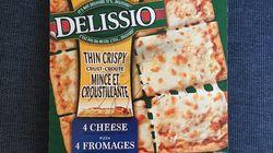Cette pizza Delissio autographiée par Boom Desjardins pourrait être à