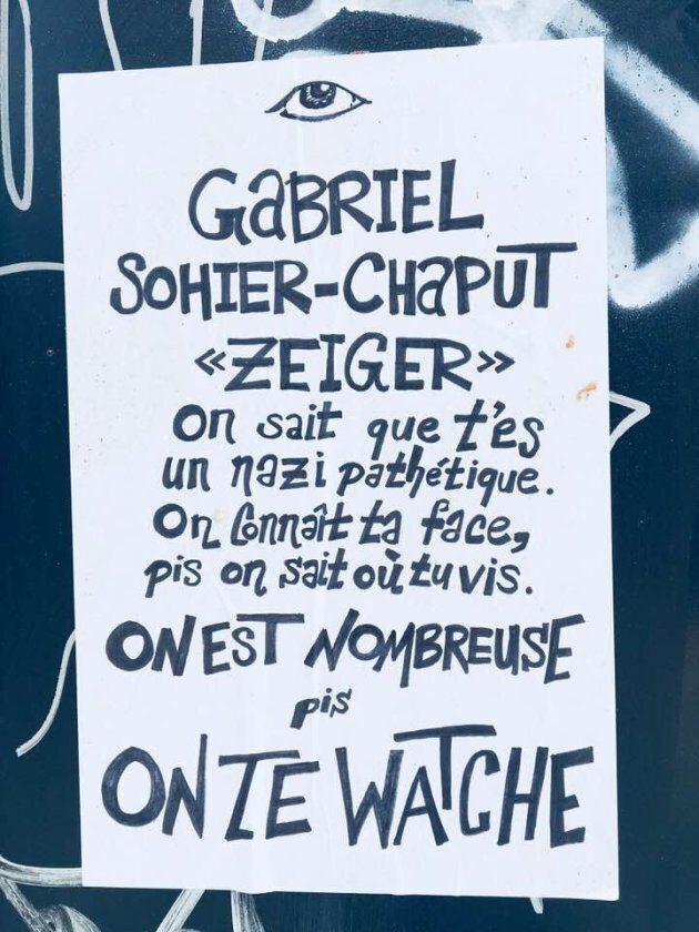 Une des affiches aperçues au coin des rues Bélanger et Normandville jeudi