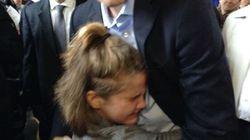 Moment attendrissant entre Justin Trudeau et une jeune admiratrice