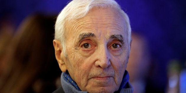 Charles Aznavour hospitalisé après une chute à son
