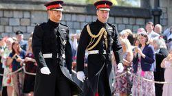 Le prince Harry en uniforme pour le mariage