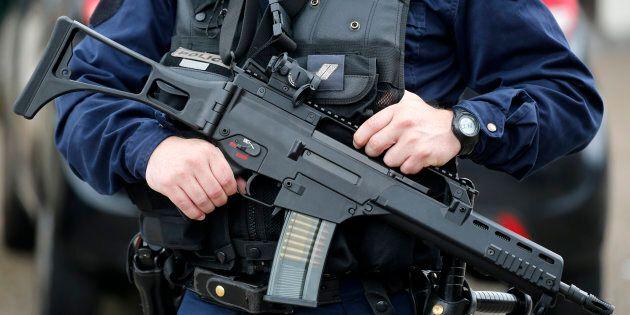 Le SPVM «ouvert» à l'idée de munir ses patrouilleurs d'armes