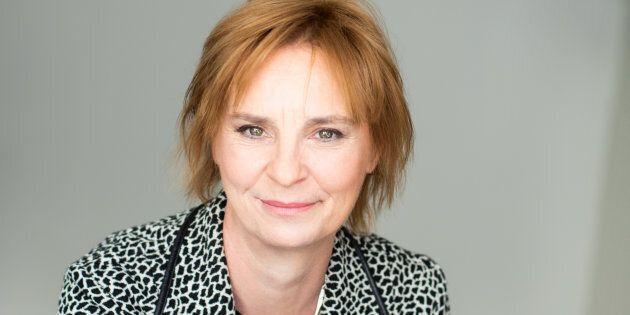 Luce Julien a passé une bonne partie de sa carrière à Radio-Canada avant de devenir rédactrice en chef du Devoir.