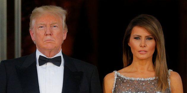 Dans cette photo du 24 avril, Melania Trump apparait aux côtés de son époux à l'occasion d'un dîner d'État...