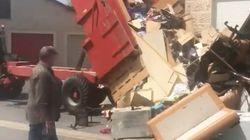 Il déverse les déchets de ses ex-locataires devant leur nouveau