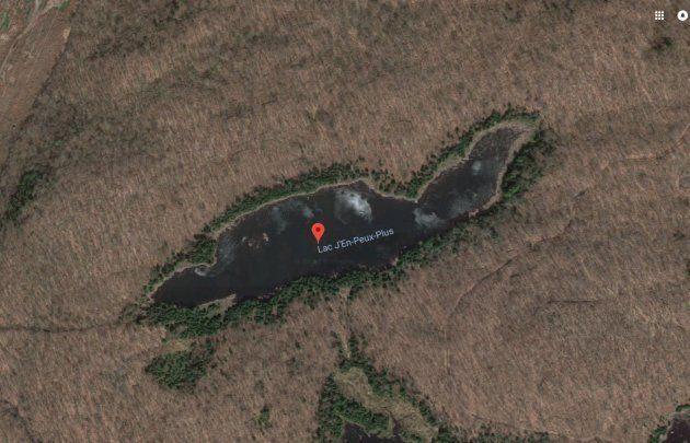 Le lac J'en-Peux-Plus est situé dans la municipalité Montcalm, à une cinquantaine de minutes du Mont