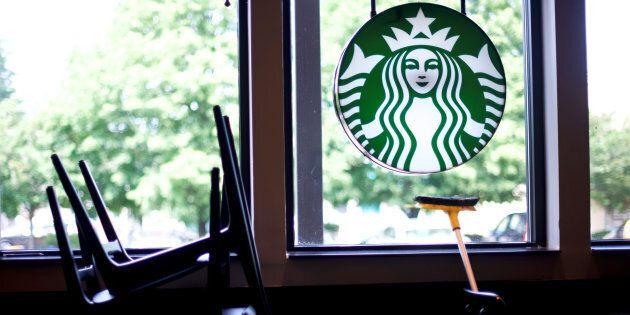 Les Starbucks au Canada seront fermés lundi après-midi pour une formation contre le