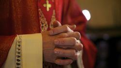 Un prêtre a giflé un enfant à son