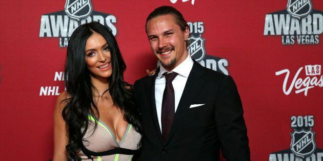 Photo d'archives d'Erik Karlsson (droite) et de sa femme