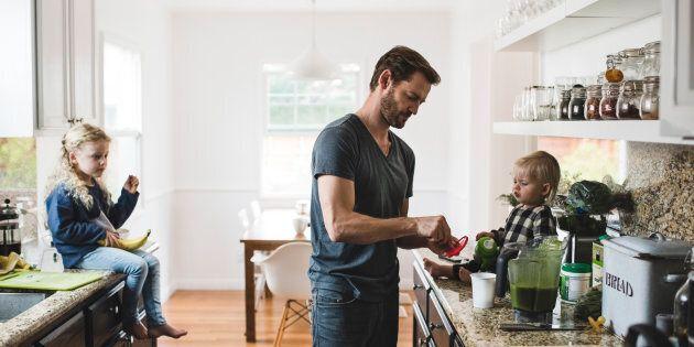 Le Regroupement pour la valorisation de la paternité propose une série de mesures pour des papas plus