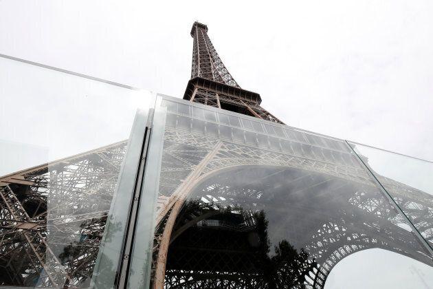 La tour Eiffel augmente sa sécurité face au risque