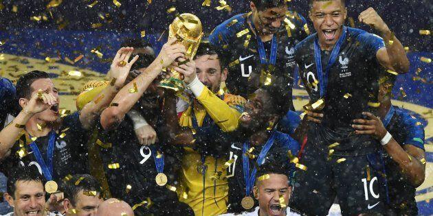 Coupe du monde: les partisans des Bleus savourent leur