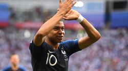 Coupe du Monde: La France, portée par Mbappé, élimine