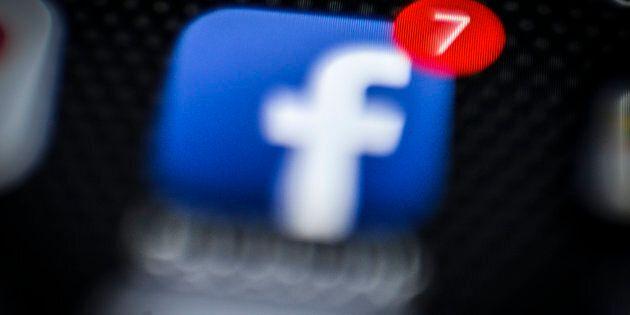 Facebook a débloqué par erreur des contacts