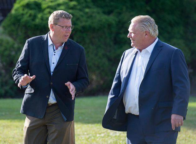 Tarification du carbone: Doug Ford et Scott Moe en campagne contre Justin