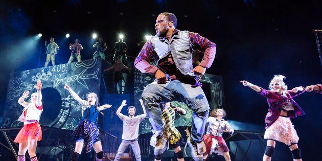 Le Cirque du Soleil rend un hommage électrisant aux