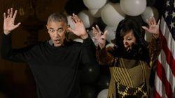 La famille Obama offre des bonbons aux enfants à la