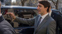 Un manifestant qui a harangué Trudeau accusé d'entrave à un agent de la