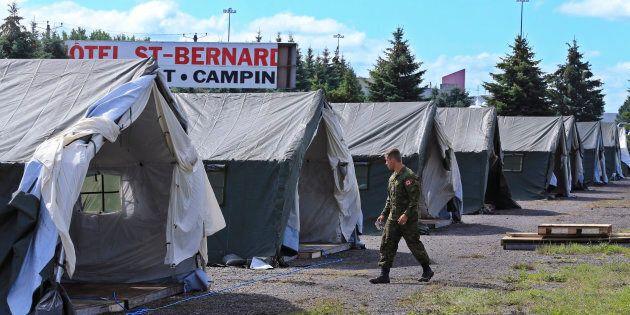 Il y a un an, le 12 août 2017, le camp des migrants temporaire érigé à Lacolle était agrandi par les...