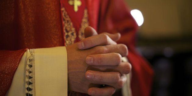 Une enquête accuse 300 prêtres de pédophilie aux