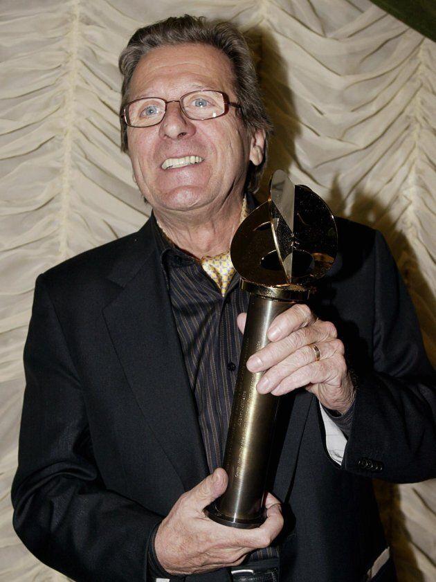 Albert Millaire a reçu le trophée pour Meilleure interprétation masculine dans un rôle de soutien pour...