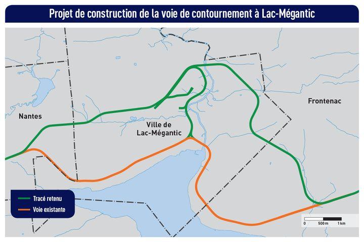 En vert, le tracé retenu pour la voie de contournement. Le chemin de fer actuel est en orangé.