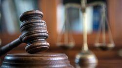 Une juge refuse de se retirer pour avoir versé une larme durant un