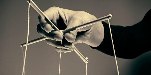 Dans ma carrière, j'ai plusieurs fois vu des manipulateurs faire avancer leurs intérêts en choisissant...