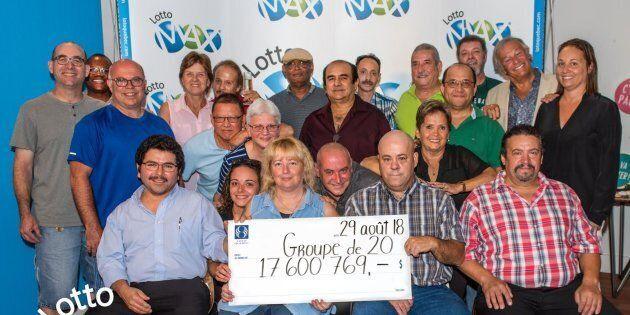 Un groupe de 20 collègues se partage un lot de 17 600 769 $ du Lotto