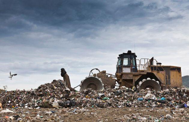 La gestion des déchets coûte plus d'un milliard de dollars par année aux contribuables
