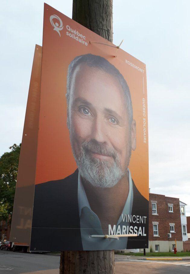 Déjà en fin d'après-midi, mercredi, on voyait des pancartes de Vincent Marissal, candidat solidaire dans Rosemont.