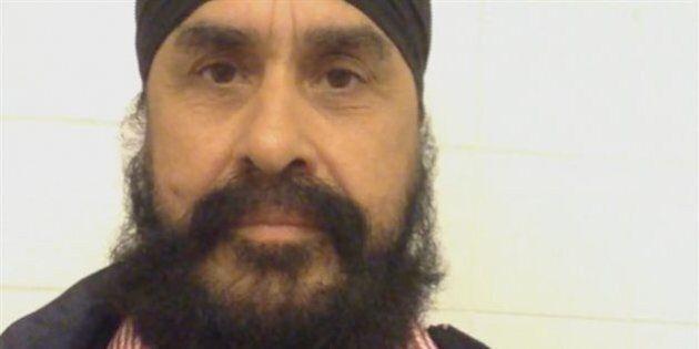 Interdiction de vol: un Canadien, Nanak Partap Singh, coincé à