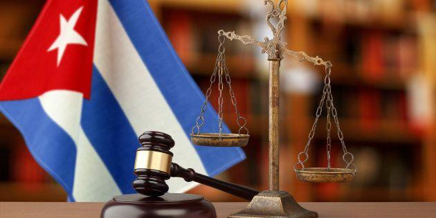La femme d'un Québécois coincé à Cuba songe à une action en cour contre