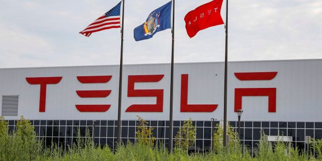 Tesla va demeurer en Bourse, malgré les tergiversations d'Elon