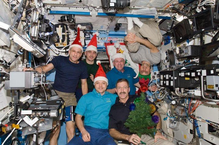 Les célébrations du temps des Fêtes dans l'espace pourraient prendre une allure un peu différente...