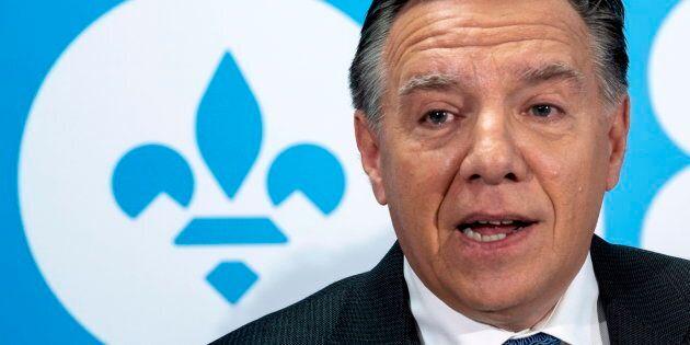 Immigration: Legault interpelle Couillard, demande ses plans avant le