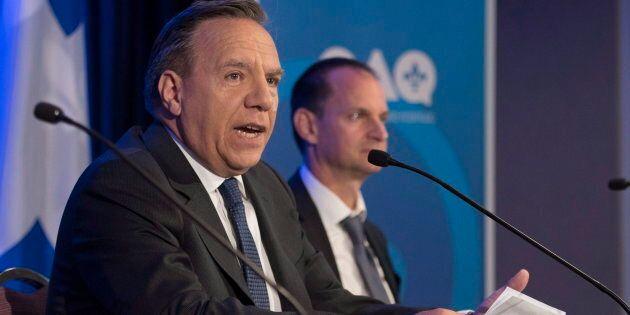 François Legault accompagné de son candidat dans Groulx, Éric