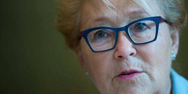 Élections: Pauline Marois se réjouit qu'il y ait 47 pour cent de femmes parmi les
