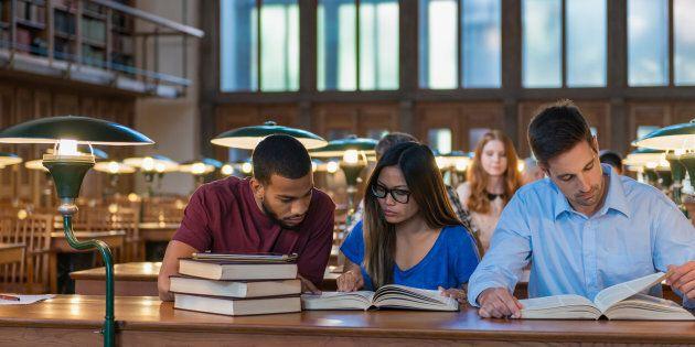 Au niveau individuel, certains jeunes optent pour les études à défaut d'avoir un plan clair d'insertion...