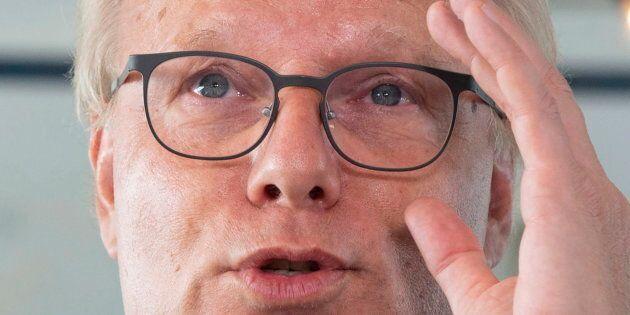 Jean-François Lisée ne veut pas statuer sur ses intentions s'il y a un gouvernement