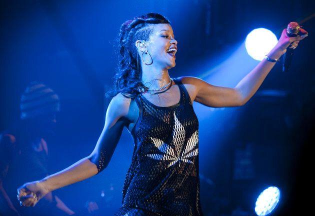 Même Rihanna est adepte du logo feuille de «pot».