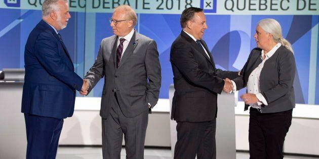 Les quatre chefs de partis se serrent la main avant le débat des chefs en