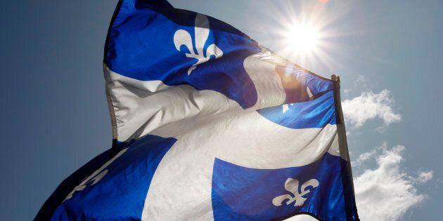 Le Québec ne cherche plus à se définir dans ses choix de société tant il passe de temps à hésiter à se trouver une identité nationale.
