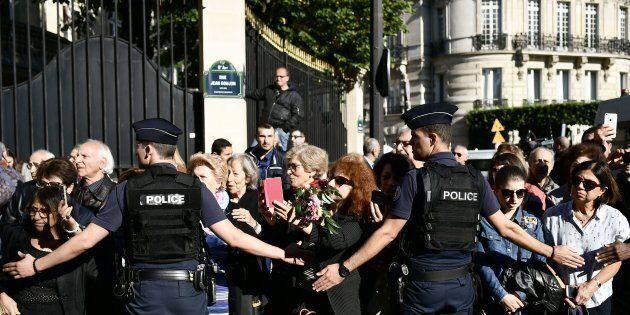 Aznavour inhumé après un dernier hommage à la cathédrale arménienne de