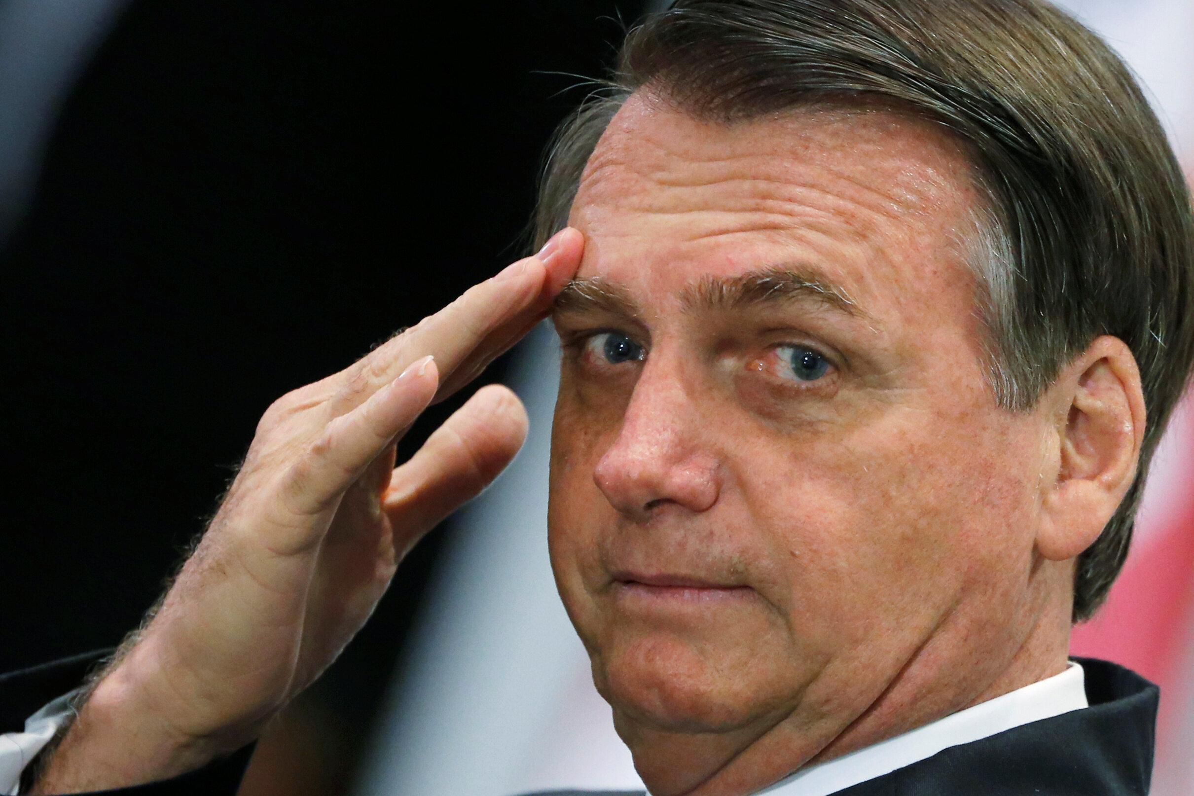 Bolsonaro cancela ida a Nova York para receber
