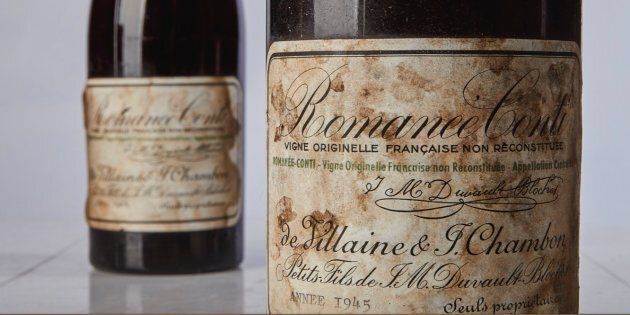 Cette bouteille s'est vendue à un prix record.